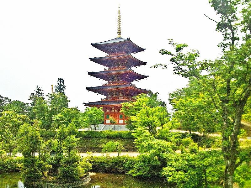 木造の五重塔