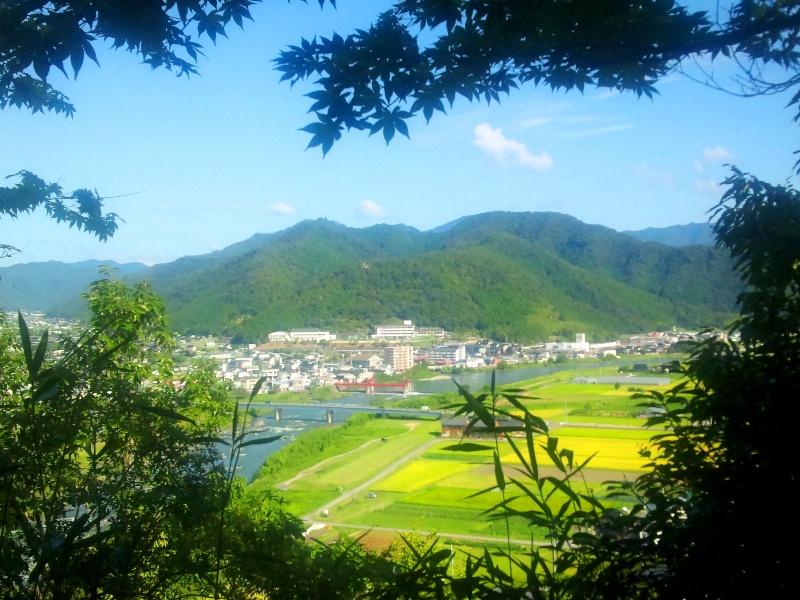 揖保川と長水城跡