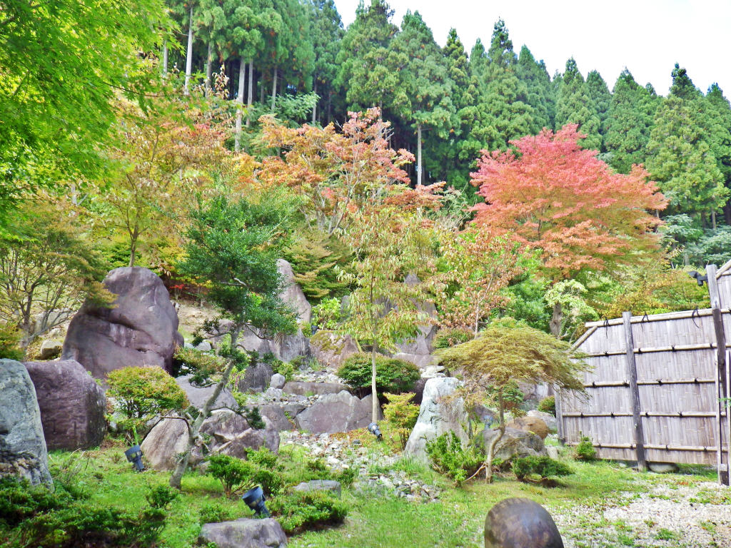 28a 露天風呂の庭