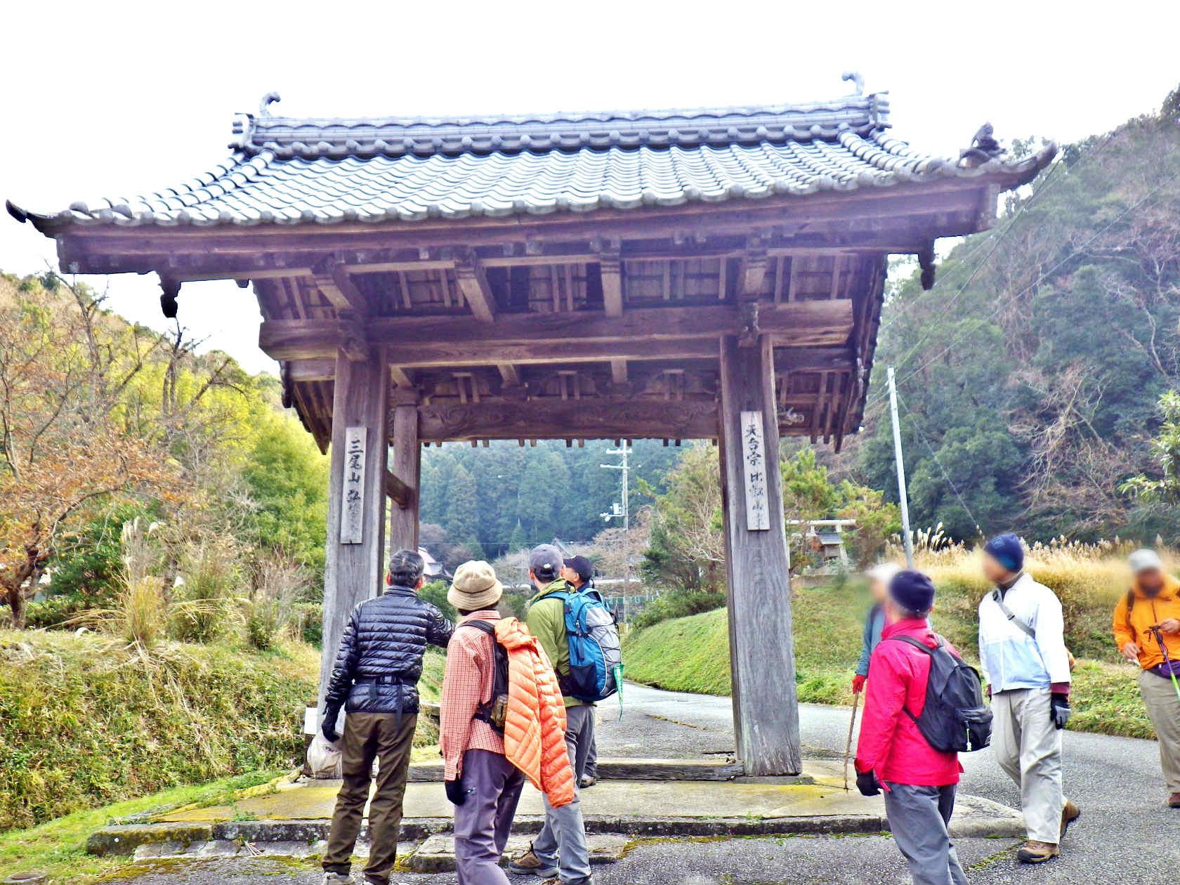 17b 弘誓寺の山門