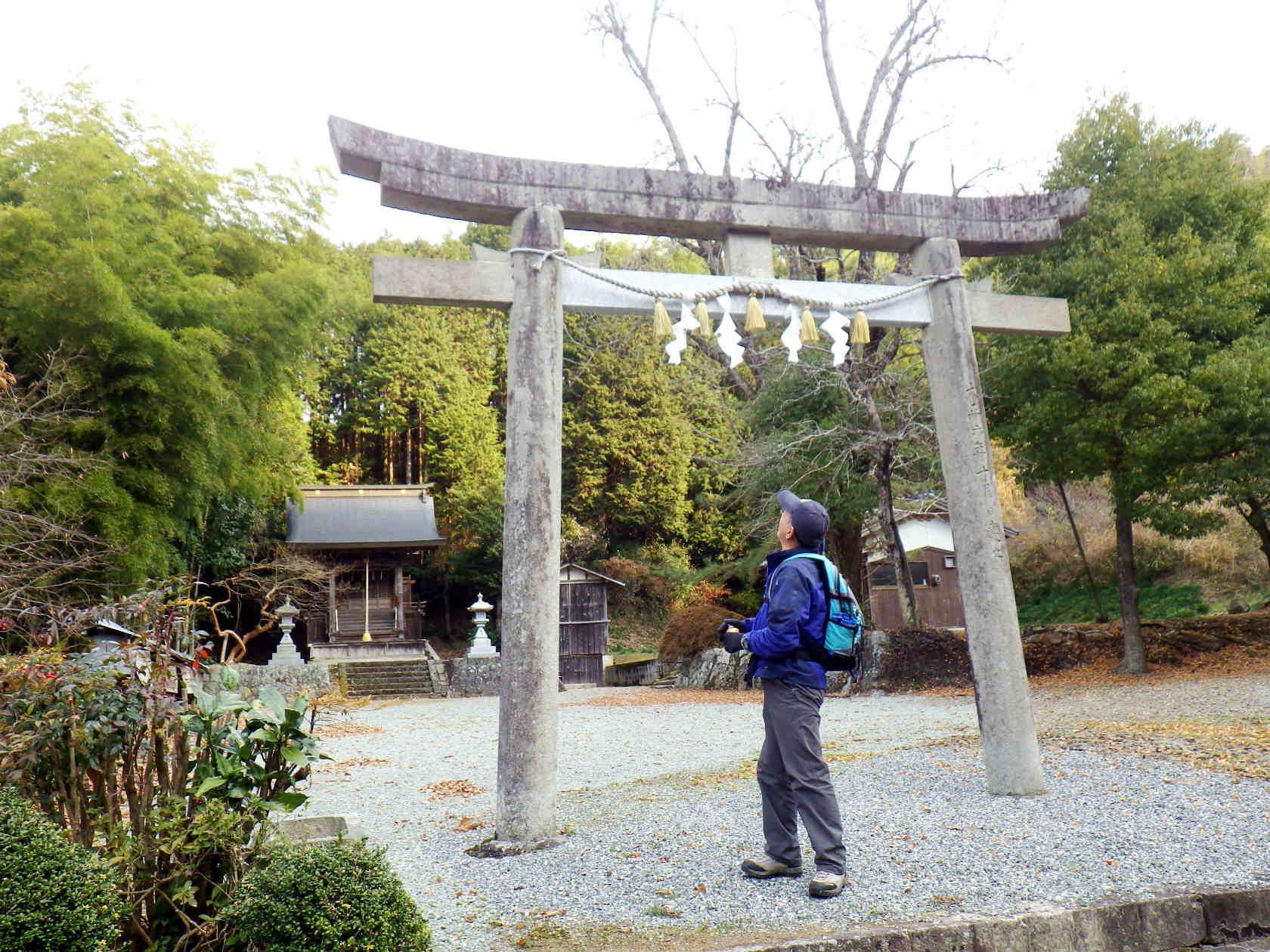 17a 二ノ宮神社の鳥居