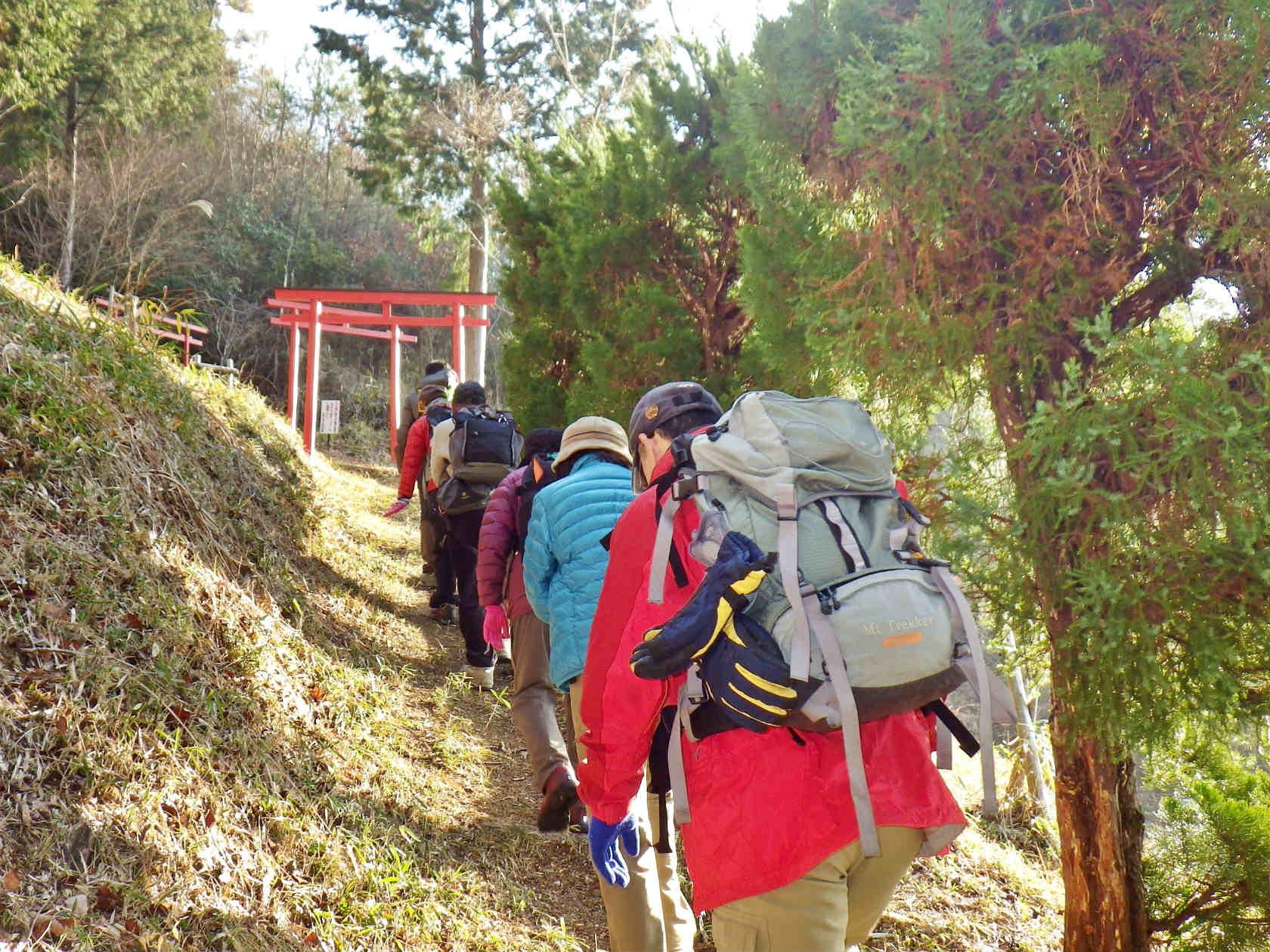 06b 登山口を登る