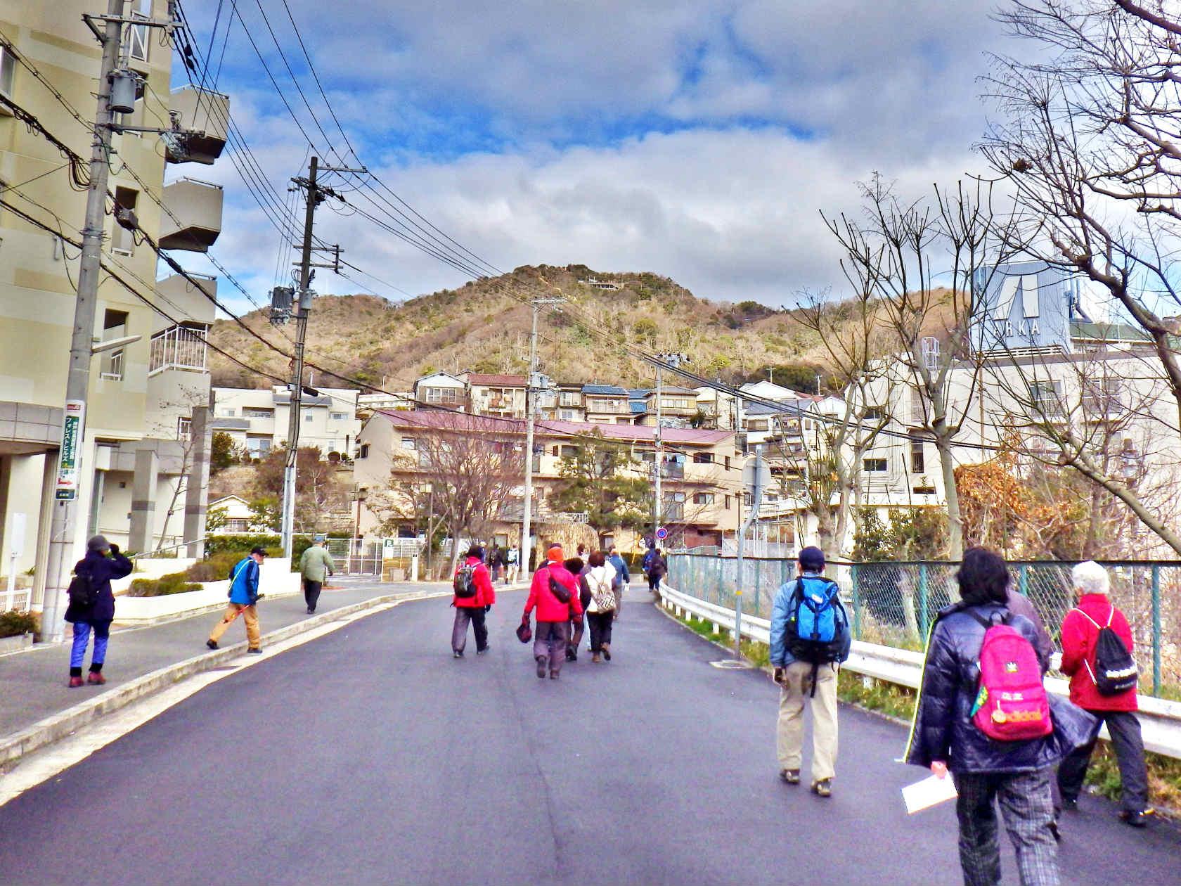 05a 高取山のふもとへ向かう