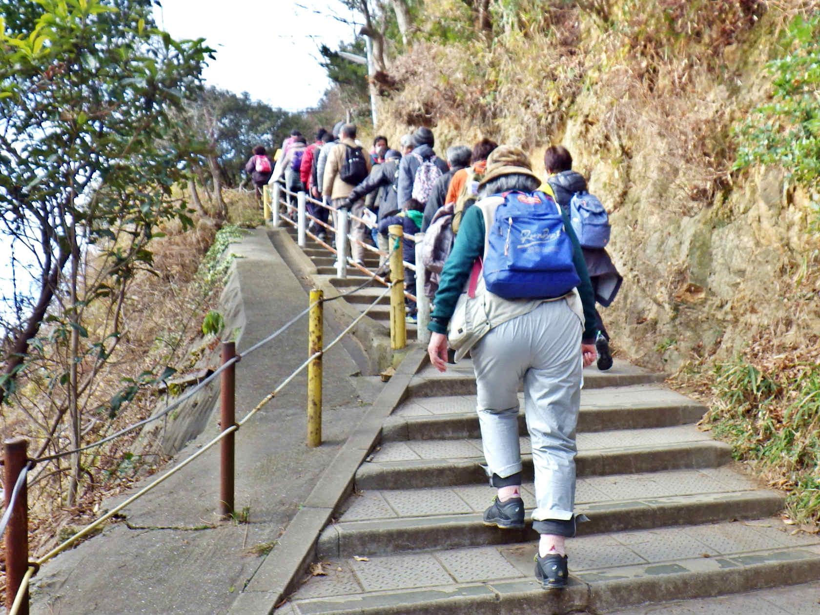 07a 高取山を登る