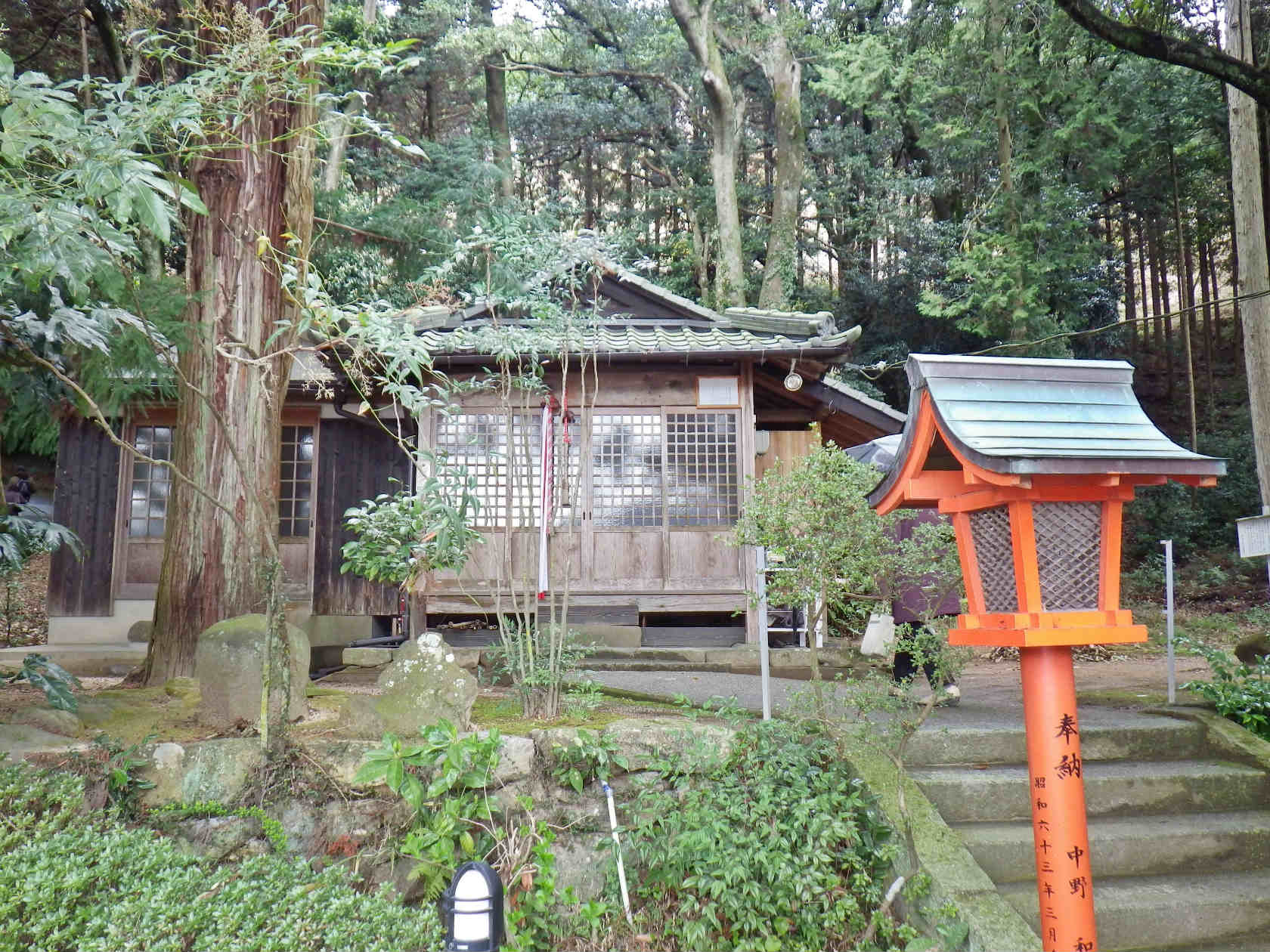 17b 桜華園内の笠森神社