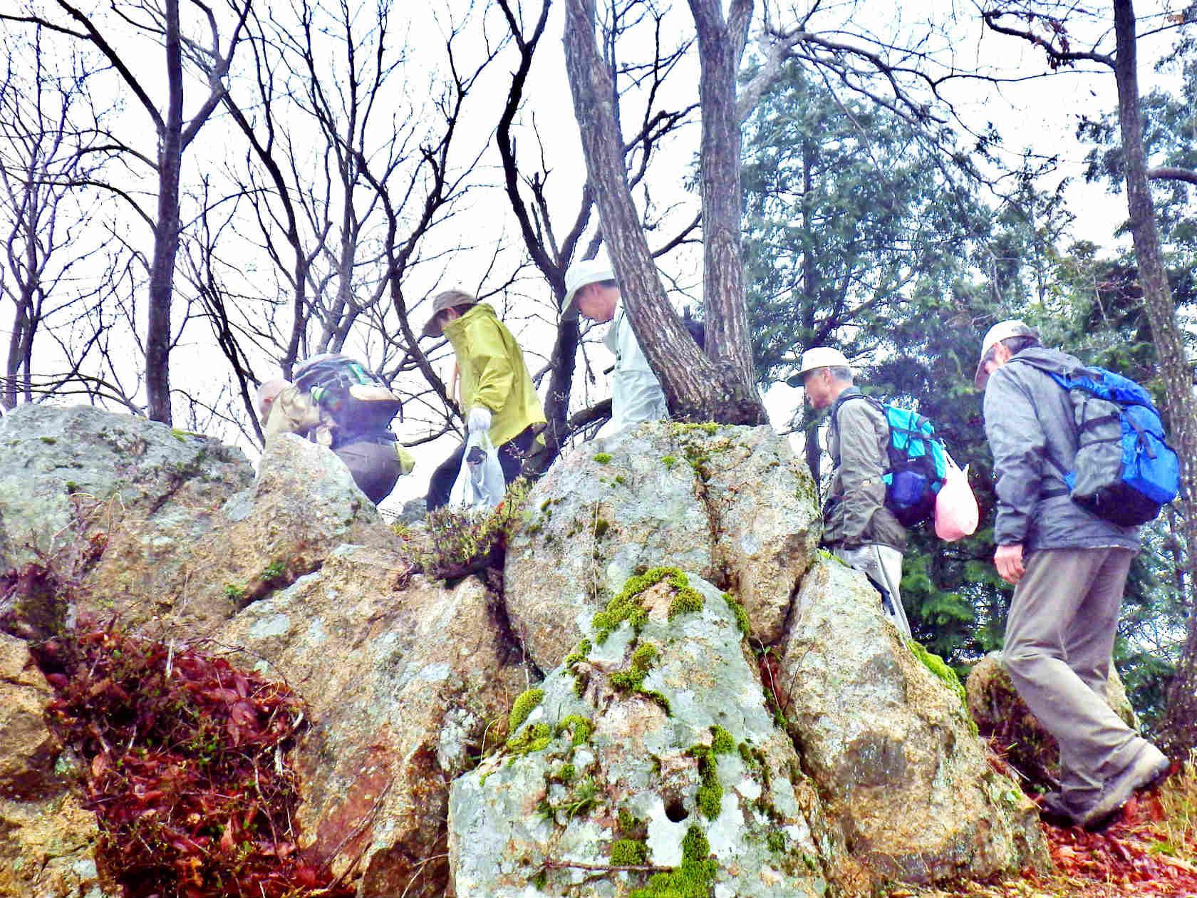 09b 大嶽山頂の岩場