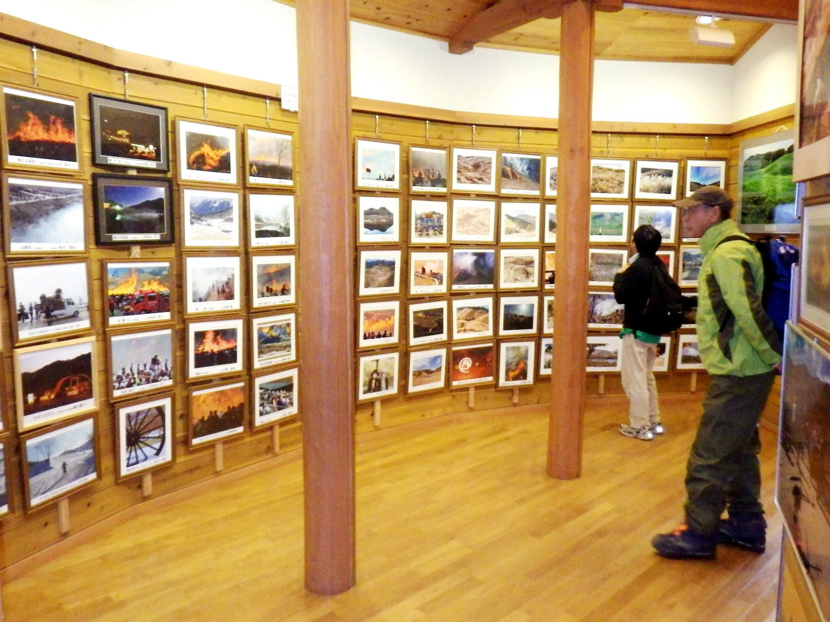 21a 交流館の中の写真展示