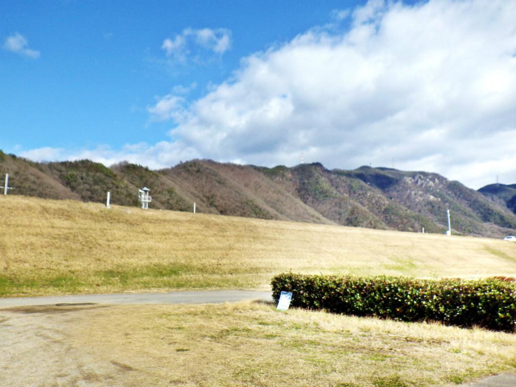 30a 吉井川から見る龍神山