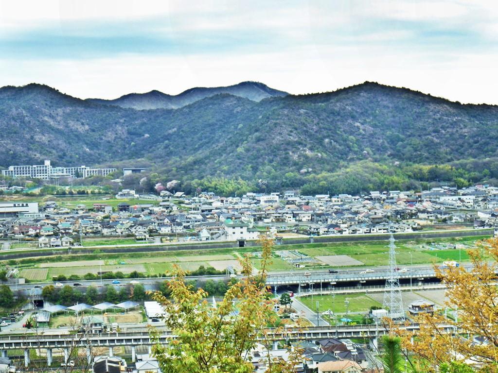 12b 高御位山方面を眺め