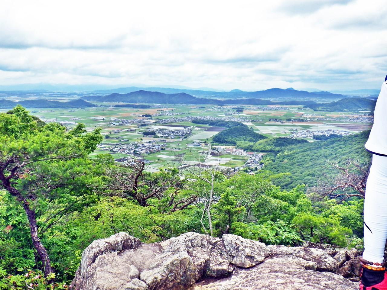 16b 太郎坊山から右手の眺め