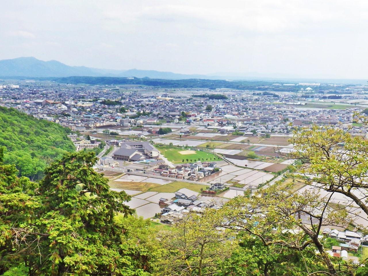 18b 太郎坊宮からの眺め
