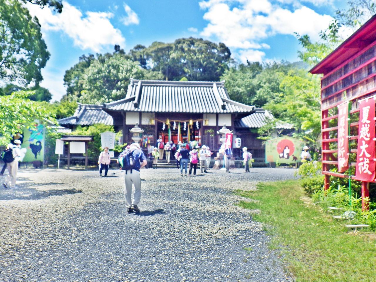 08b 丹生官省符神社の拝殿