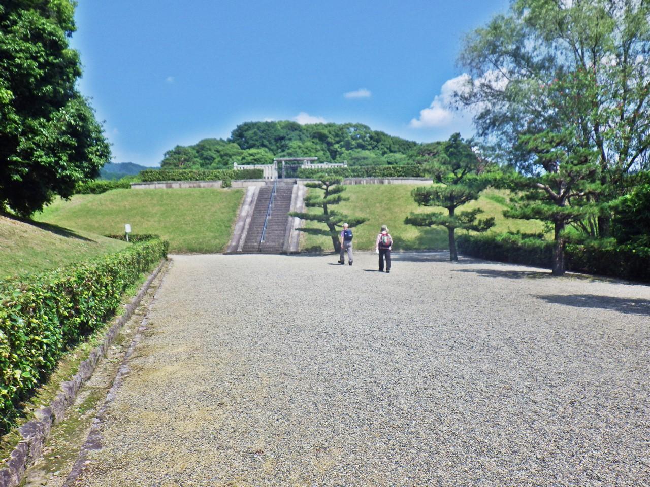 18b 崇神天皇陵 入口
