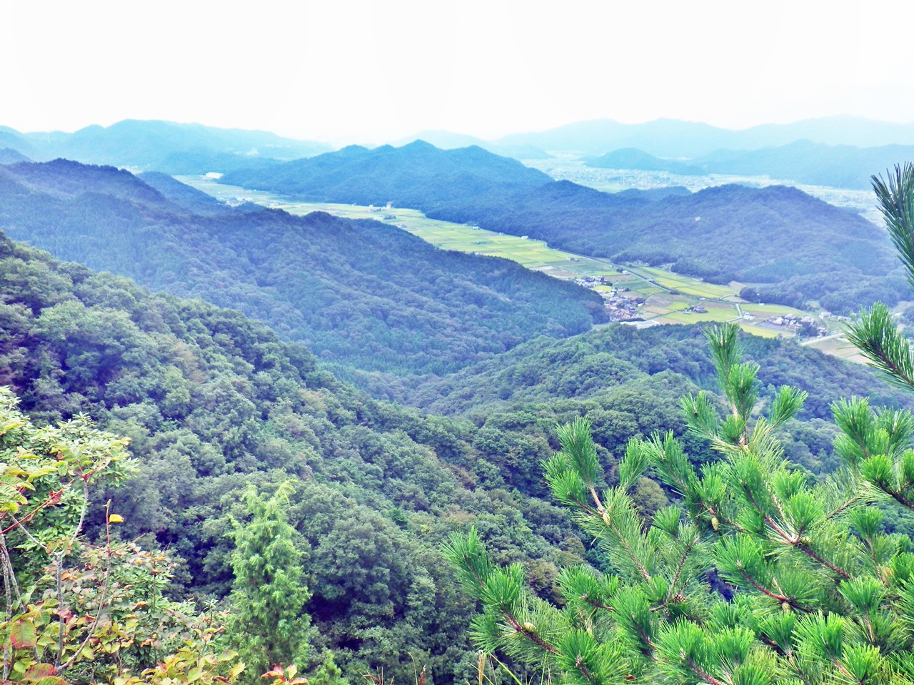 13a 小岩峰から南側の眺め