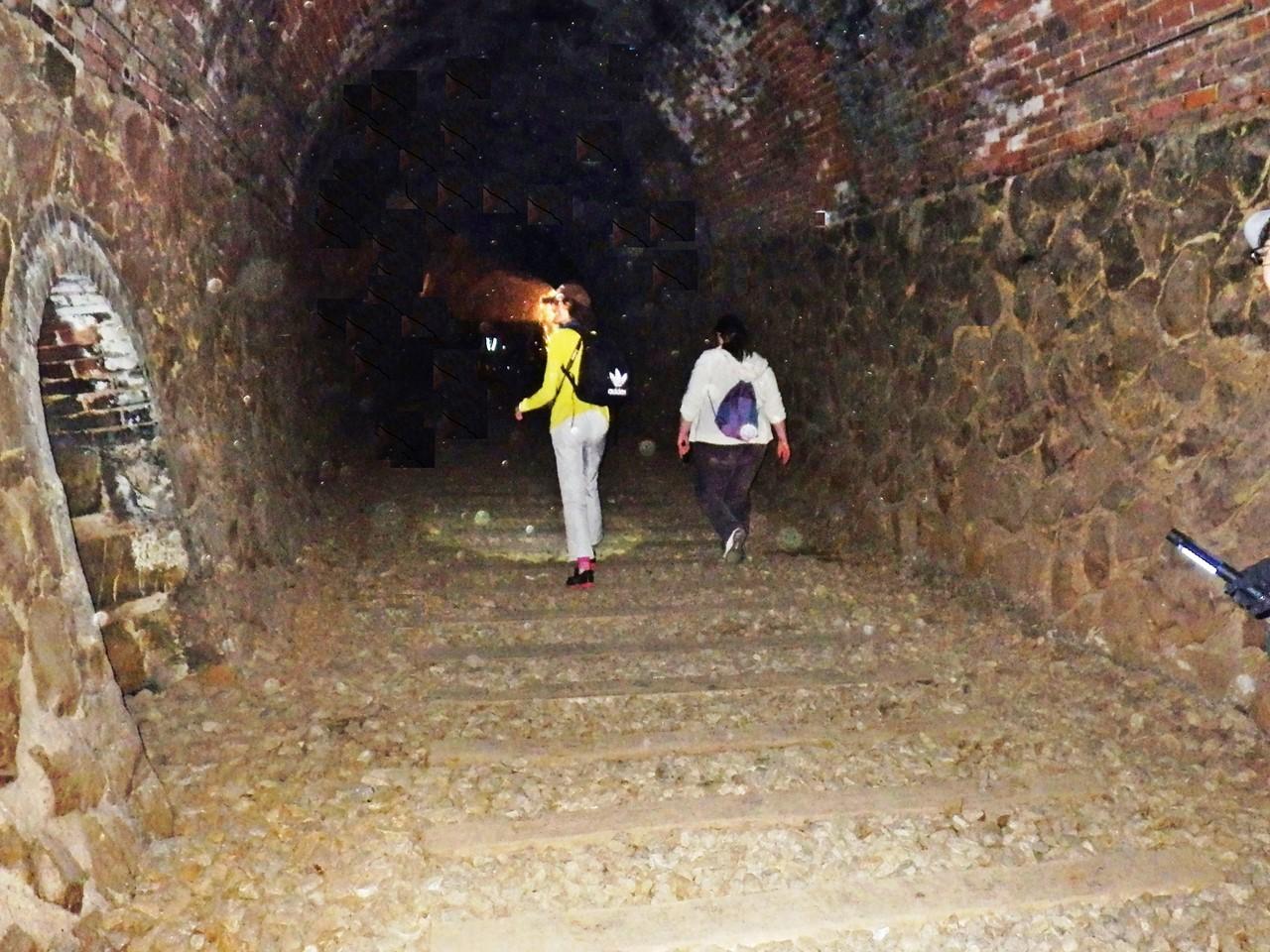 05b 溝滝尾トンネルの中