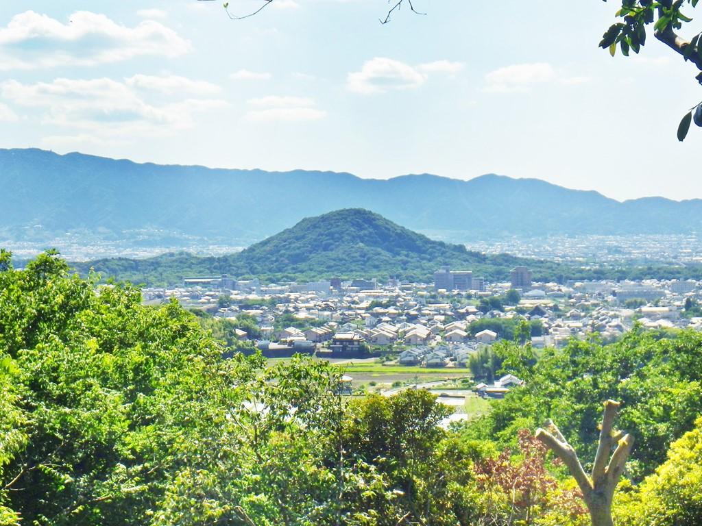 18b 香久山から見た畝傍山