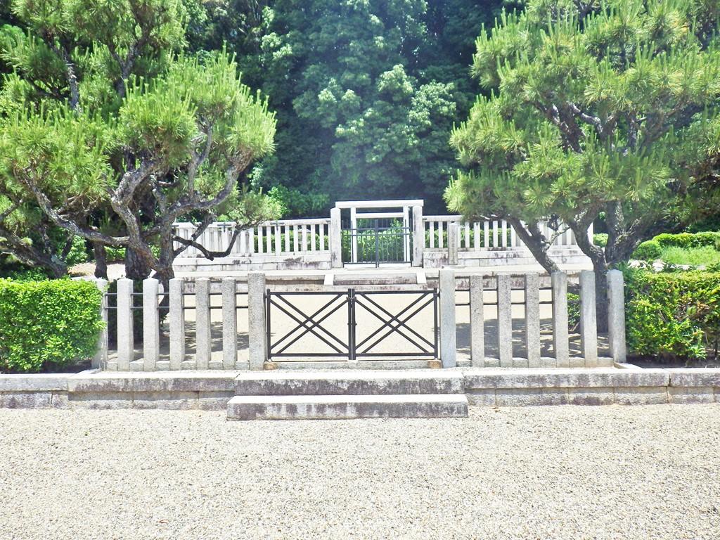 09b 第4代懿徳天皇陵